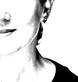 me in white_bearbeitet-1